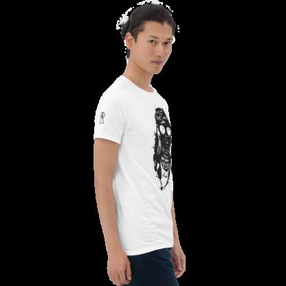 kurt-T-shirt-white-right-man
